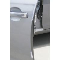 8 osan muovisuojasetti suojaamaan autosi ovien reunoja kulumiselta ja kolhuilta.
