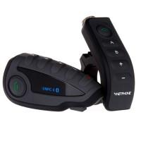 Intercom kypäräpuhelin 2MOTO V8 sisältää myös pyörän tankoon kiinnitettävän kaukosäätimen. Lippulaivamallissa on myös paranneltu ergonomia, NFC ja paljon muuta.