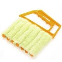 Sälekaihtimien puhdistusharja on ensiluokkainen puhdistusväline, jolla pyyhit pölyt kaihtimista ja muista ritilöistä helposti. Tällä vai puhdistaa vaikkapa ilmastointilaitteen!