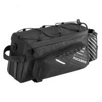Cykelväska för pakethållaren från välkända RockBros. Smidig storlek men samtidigt tillräckligt med utrymme för en hel del packning.
