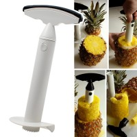 Näppärä ananaspora ei pelkästään kuori ananasta, vaan samalla leikkaa ananaksen spiraalin muotoon, josta on helppo edelleen leikata ananasrenkaita!