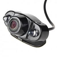 Langaton yökuvauksella varustettu laadukas peruutuskamera 120 asteen kuvakulmalla. Peruutuskamera auttaa sinua peruuttamisessa ahtaissa ruuduissa ja sokkeloisissa parkkitaloissa.