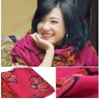 Giant rose scarf – red