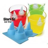 Hui hai! Jääpalojen avulla juomasi pysyvät taatusti kylminä myös kuumina kesäpäivinä.