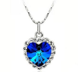 Vackert havsblått halsband