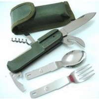 Kaikki tarvittavat ruokailuvälineet mukaan lukien veitsisetti! Juuri sopiva varuste retkeilyyn.